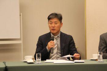 司会進行をする石川副会長