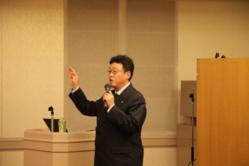 働き方改革法テーマで講演する井原氏